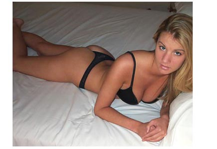 Belle blonde cherche un black pour un plan q sur Amiens